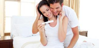 Первые признаки беременности: как распознать до похода к гинекологу